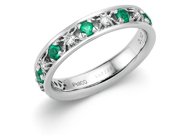 神秘的な緑色が人々を魅了する。5月の誕生石エメラルドとは?